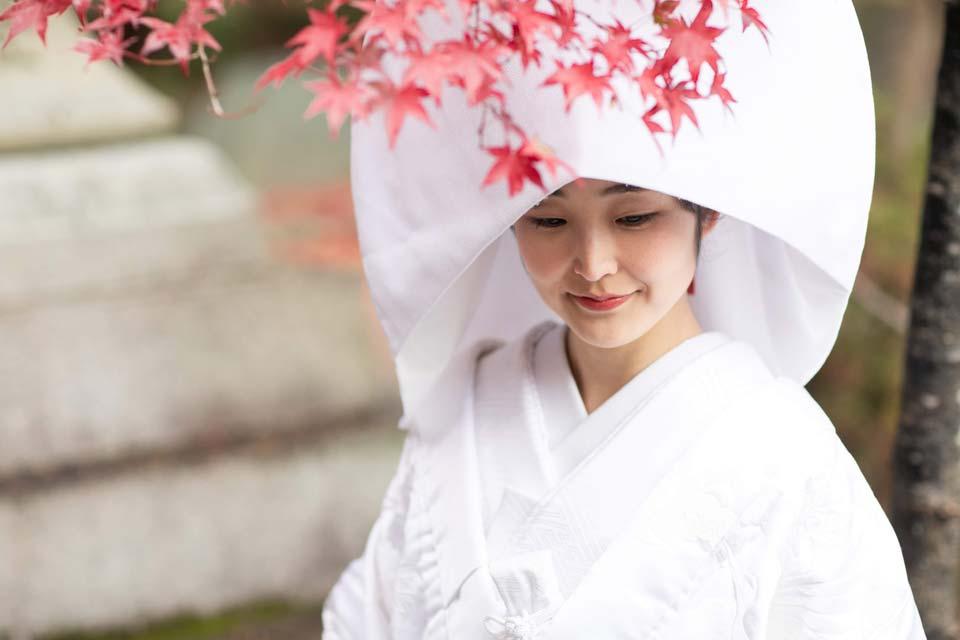 京都前撮り・秋の紅葉シーズンの白無垢