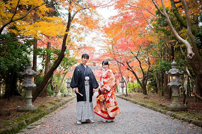紅葉で染まる参道で和装前撮り!