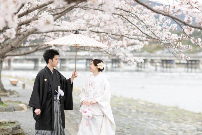 春の桜の季節に嵐山で前撮り